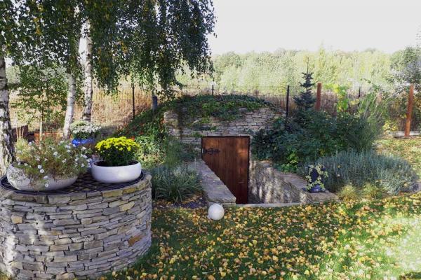studnia i piwniczka gnejs
